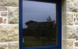 fenêtre aluminium bleue