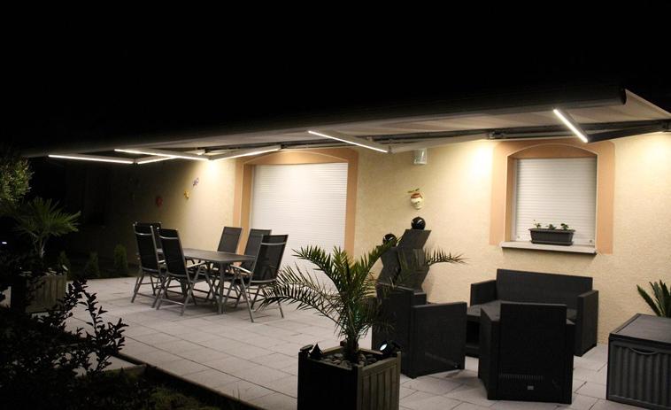 store-banne avec éclairage LED