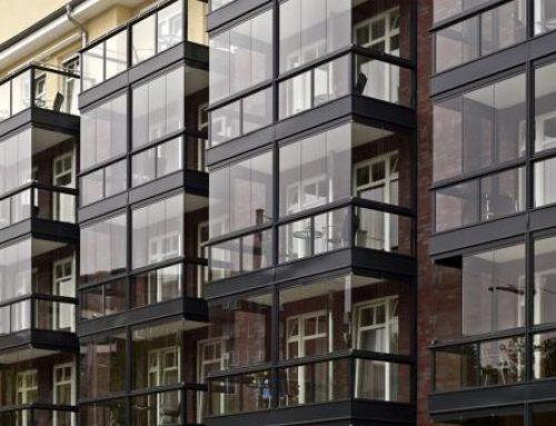 Fermer un balcon avec une baie vitrée : une solution à privilégier !