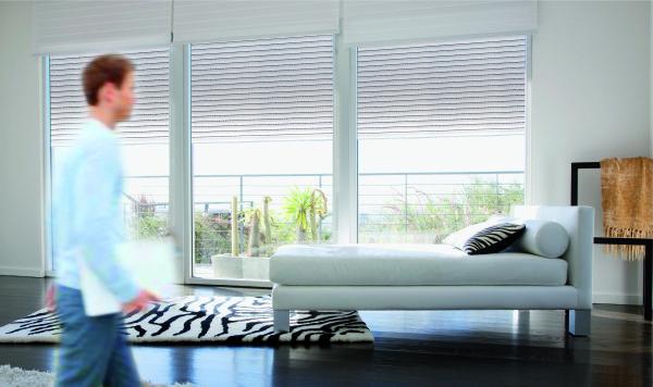 le volet roulant t l commande atouts et mode de fonctionnement blog de orion menuiserie. Black Bedroom Furniture Sets. Home Design Ideas