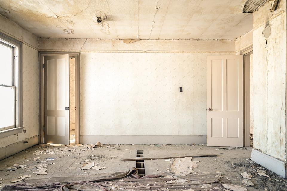 que faut il v rifier avant d acheter une maison r nover blog de orion menuiserie. Black Bedroom Furniture Sets. Home Design Ideas