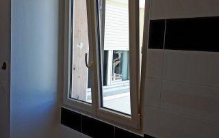 qu'est-ce qu'une fenêtre oscillo-battante ?