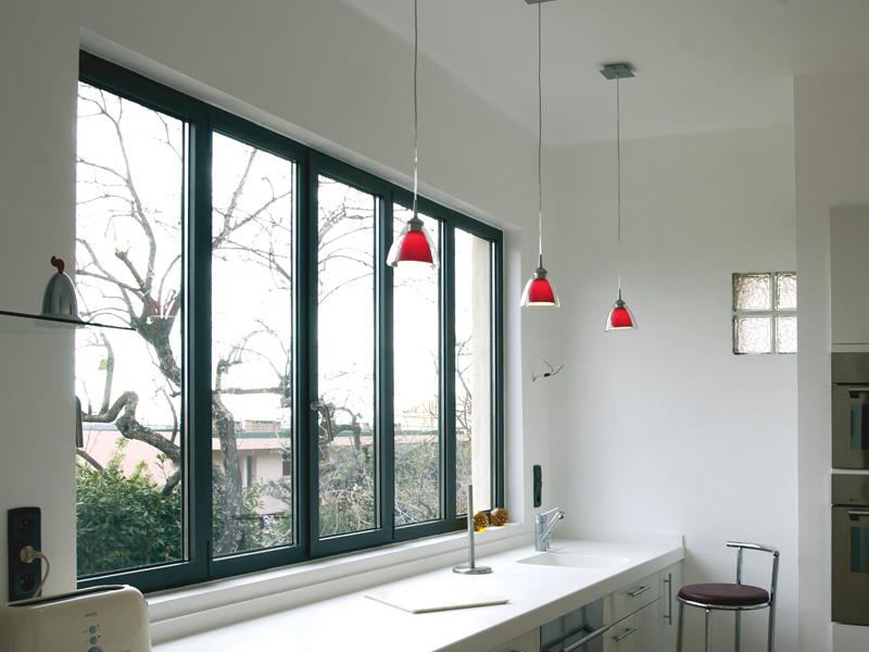 Une fenêtre aluminium pour une maison moderne