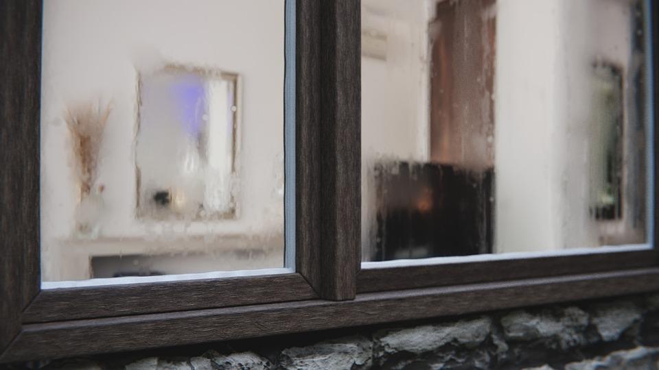 Question client : pourquoi ma fenêtre condense ?